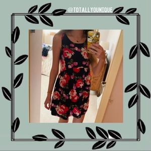 Old Navy Floral Summer Dress Size Small